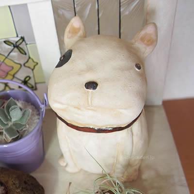 犬の置物 ガーデンオブジェ「うちのわんこ フレンチブルドッグ (ブチ) お座り」