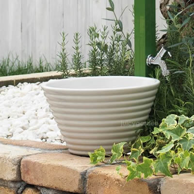可愛い小さなガーデンパン「ガーデンポット ホワイト」水受け 水鉢